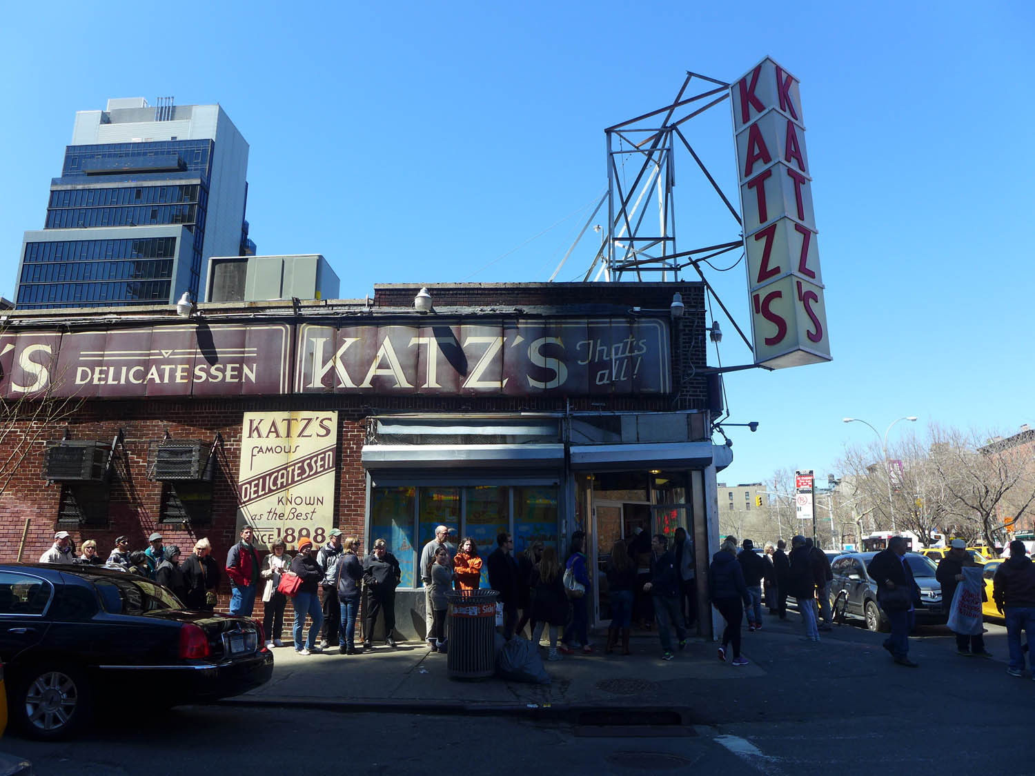 Over to Katz's (check out the queue)